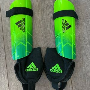 Kids Adidas Shin Guards -Soccer - M